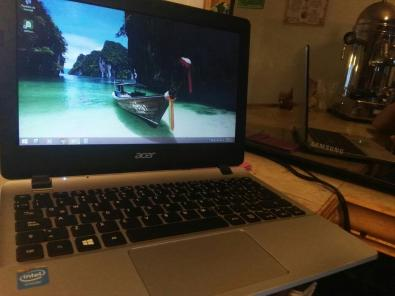 Laptop Acer E3 112 series trueque